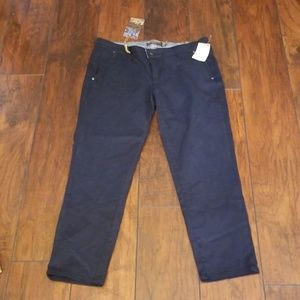 Paige Kenya navy cropped cotton pant E136:5:819